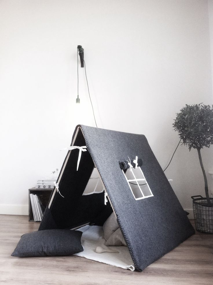 Una habitación infantil minimalista