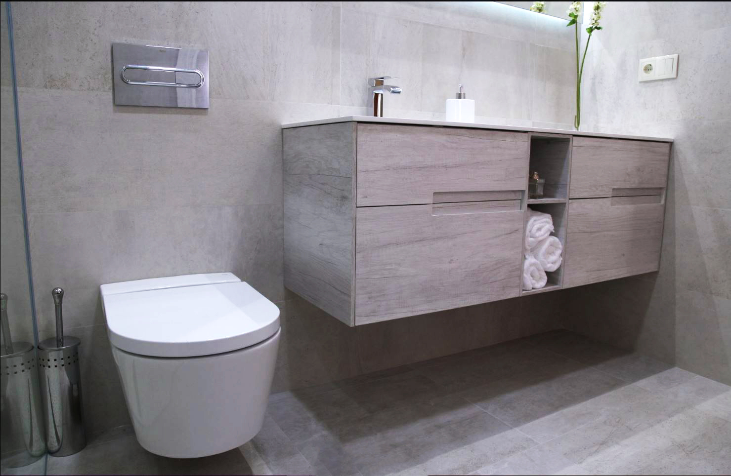 Escabel decoración de cuarto de baño